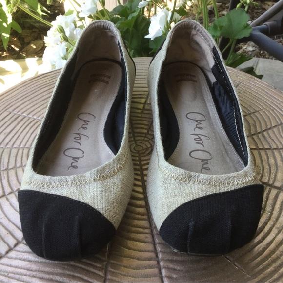 fba2d762f1d9 Toms Shoes - Toms Alessandra Black   Tan Ballet Flats